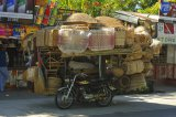 Moto tricycle charge de vannerie, Manille, Phillippines