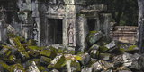 Cambodge, site d'Angkor, temple Ta Prohm, vestiges