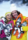 Adolescents et raquettes a neige a Val d Isere, France, MR